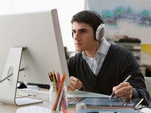 musci-desk-career-stress-07062011